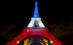 Paris rolls out 'blue, white and red carpet' for post-Brexit finance