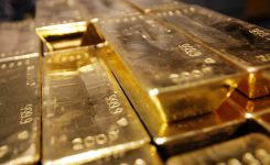 MCC confiscates five kilograms of gold, 24,000 memory cards